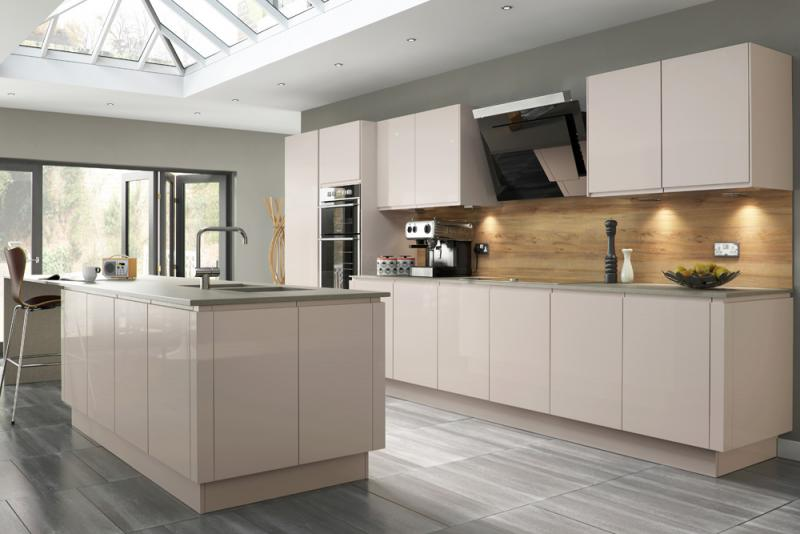 Welford handleless kitchen in savanna lark larks for Kitchen designs high gloss