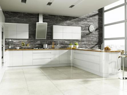 Welford handleless kitchen in bright white - Cuisine blanche laquee ...