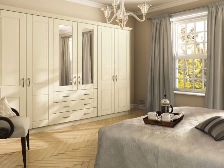 Bella Surrey bedroom in Alabaster