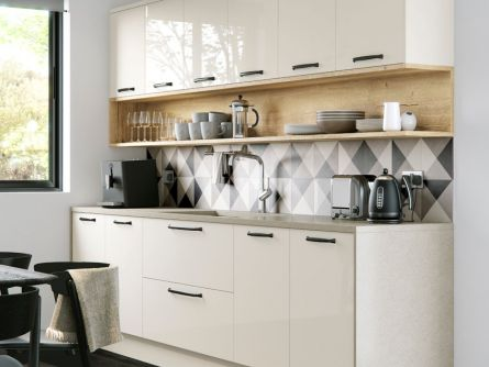 Cosdon Painted Kitchen in Gloss Porcelain