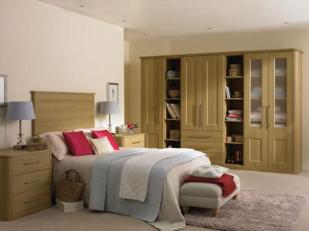 Bella Cambridge bedroom in Lissa oak finish