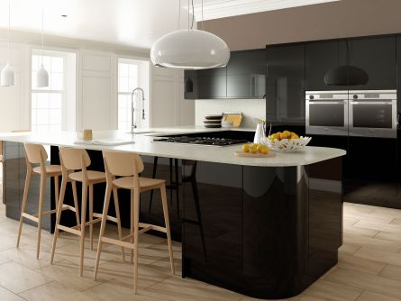 Zurfiz kitchen in Ultragloss Black
