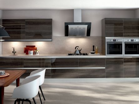 Zurfiz kitchen in Ultragloss Japanese Pear