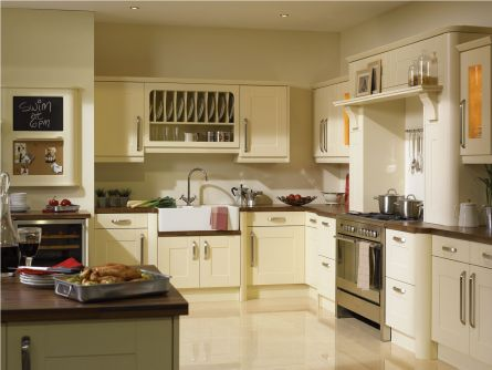 Warwick Kitchen Shown In Vanilla Finish