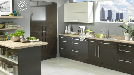 Vienna kitchen - high gloss black washed oak and cream