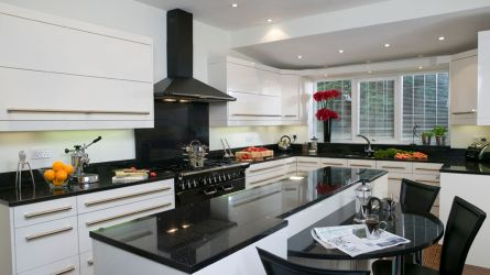 Manhattan kitchen - high gloss white