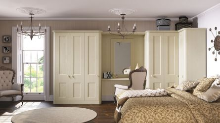 Bella Cambridge Bedroom in Oakgrain Cream finish