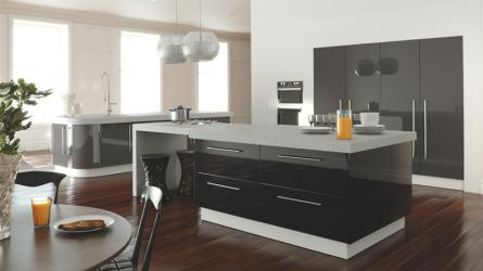 Zurfiz fitted kitchen in Metallic Anthracite and Metallic Black Mix