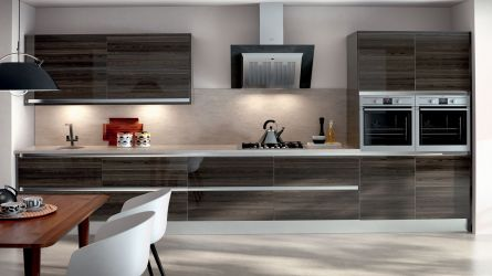 Zurfiz fitted kitchen in Ultragloss Japanese Pear