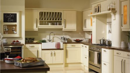 Warwick fitted Kitchen - Vanilla Finish