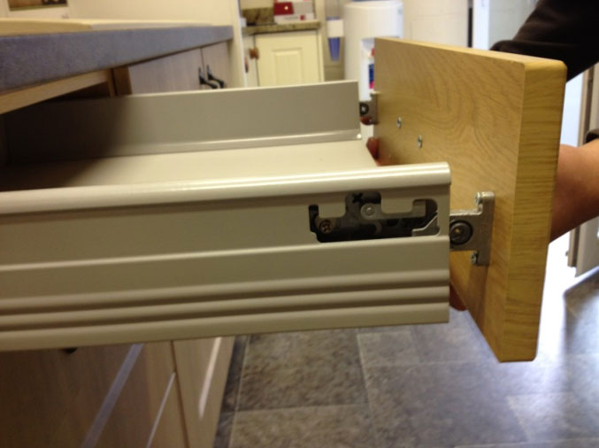 how to remove drawer fronts 2
