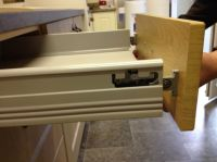 Attaching the Antaro drawer box to the drawer front