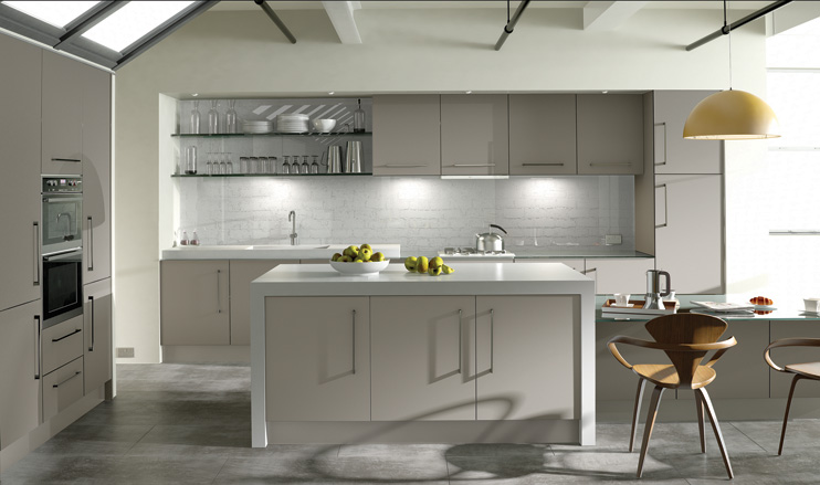 Zurfiz kitchen in Ultramatt Metallic Cashmere