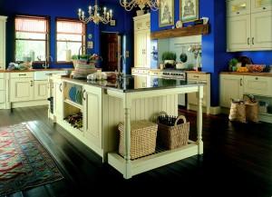 Extravagant cream kitchen
