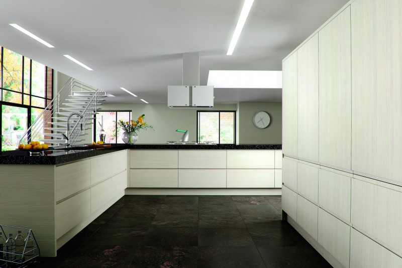 Handleless Kitchen Cream