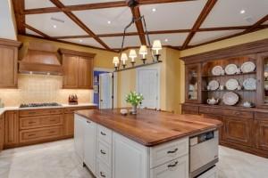 farmhouse-kitchen-dresser