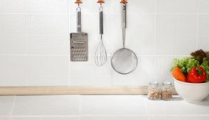 Kitchen utensils hanging kitchen summer trends 2017