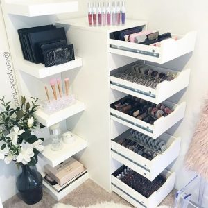 Make-up storage Idea station