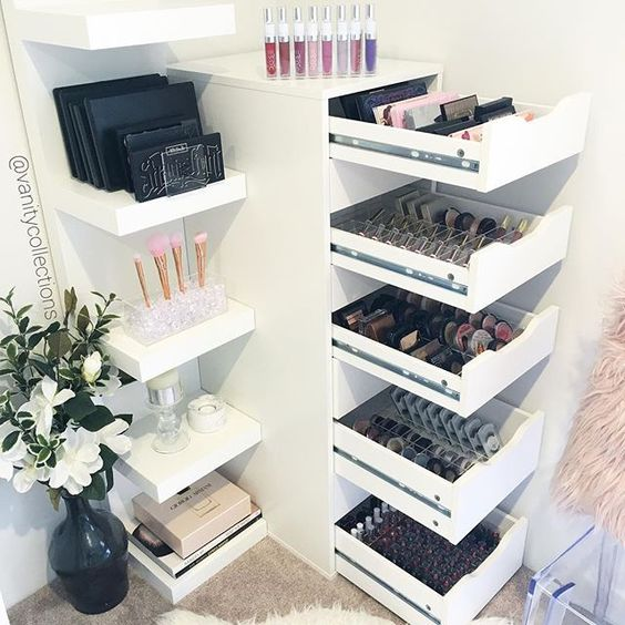 Make-up storage Idea station