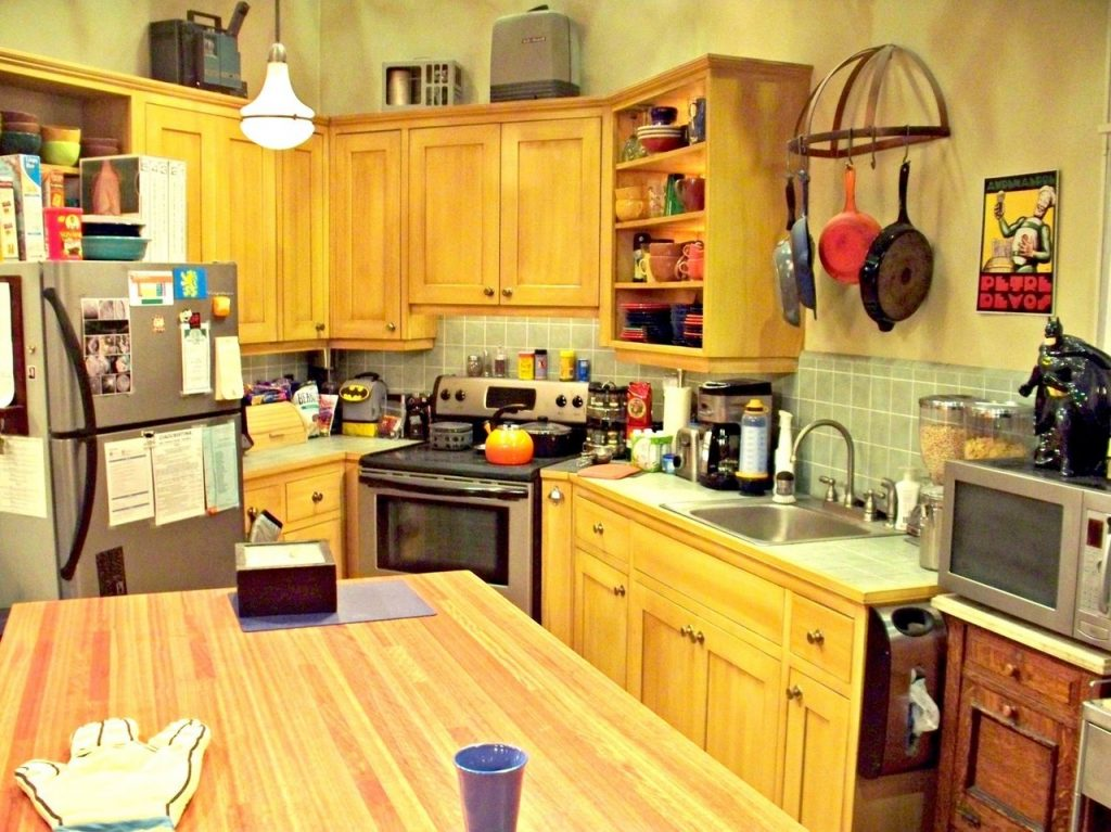 Big Bang Theory kitchen