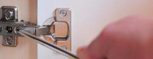 How to adjust kitchen cabinet doors